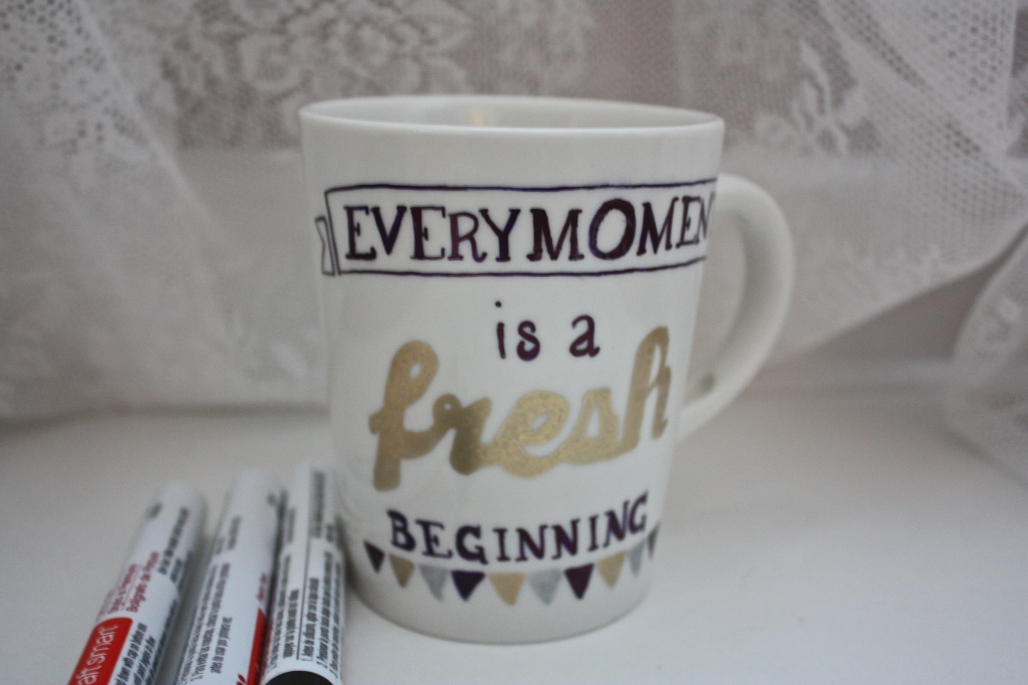 Handmade Holiday: Metallic Quote Mugs | Dreamery Events