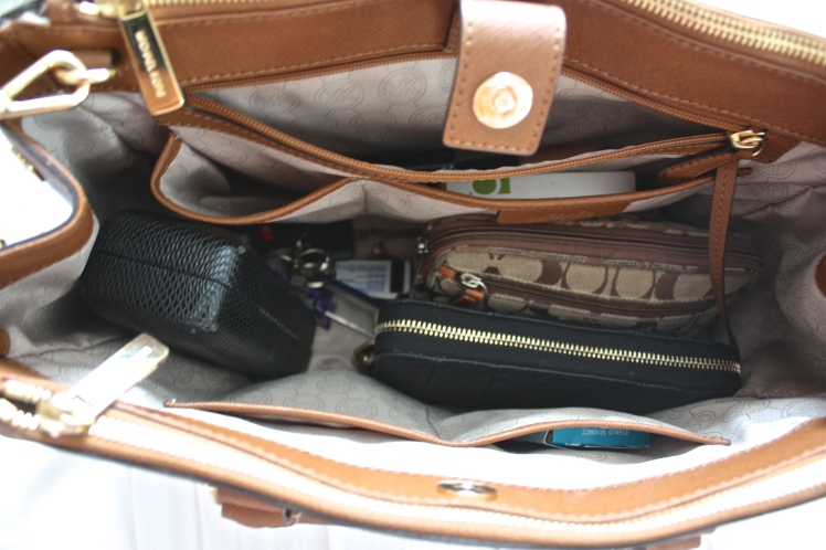 An Organized Handbag