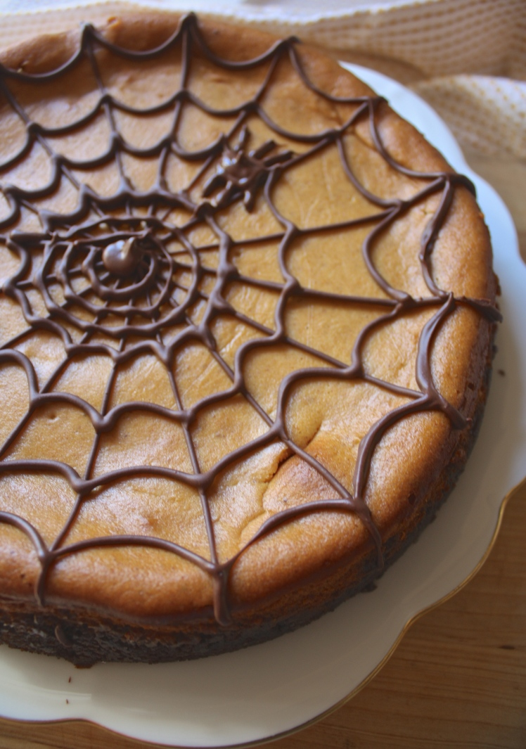 Pumpkin Cheesecake with Gingerbread Cookie Crust