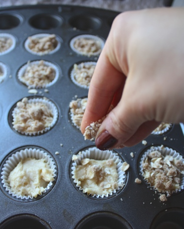Mini Crumb Cupcakes