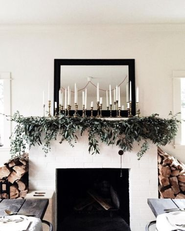 I'm Loving...Christmas Tablescapes