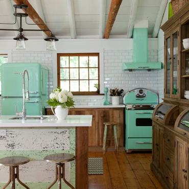 Kitchen Details : Bright Retro Appliances