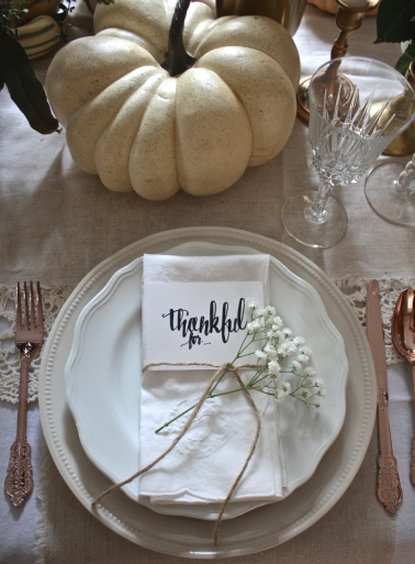 Organic & Soft Metallic Thanksgiving Tablescape | Dreamery Events